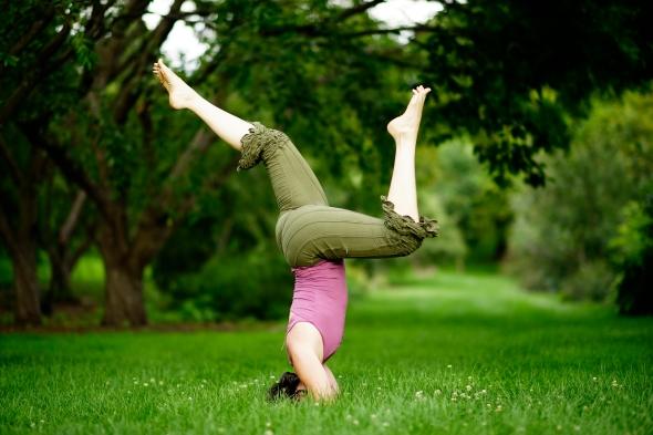 yoga, movement, teaching, therapeutics, bodyweight, calisthenics, health, wellness, fun, headstand, stag, stag headstand, sirsasana, pain, weight loss